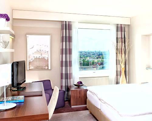Estrel Hotel Berlin Parken
